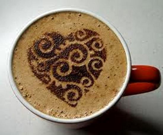 طراحی روی قهوه و تزیین با شیر